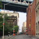 Plymouth Street unter der Manhattan Bridge